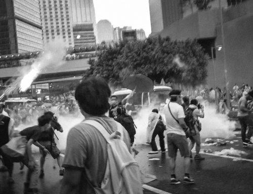催淚彈 : 香港脊醫教你揀 維他命B12 排出山埃